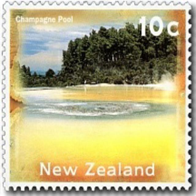 <p>Champagne Pool - Waiotapu Thermal Reserve (July, 2013)</p>