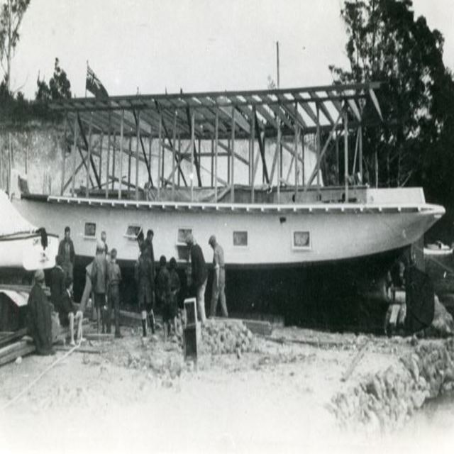 <p>Converting the SS Tongariro into a houseboat.</p>