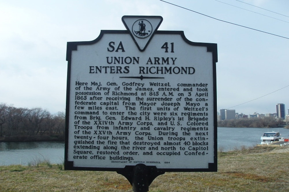 <p>Union Army Enters Richmond Historical Highway Marker</p>