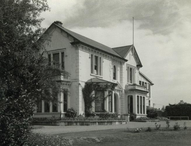 <p>Edward Sealy's brother Henry lived in the adjacent estateto the west of 'Southerndown'. Henry's home was later renamed 'Craighead' and the home, Shand House, still stands as part of Craighead Diocesan School.</p>