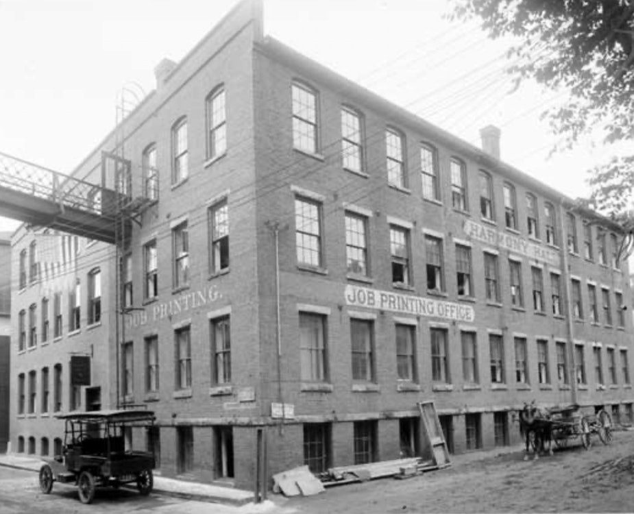 <p>E.L. Hildreth Printing Company, Harmony Hall building, Downtown Brattleboro. Photo: Brattleboro Historical Society</p>