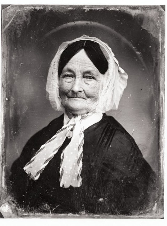 <p>Mary Tyler</p>