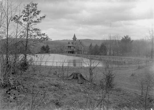 <p>Crowley Park Reservoir on Chestnut Hill and Fresh Air house, 1910. Marion McCune Rice's cottage at 90 Chestnut Hill was built on the site of this house. - courtesy Brattleboro Historical Society</p>
