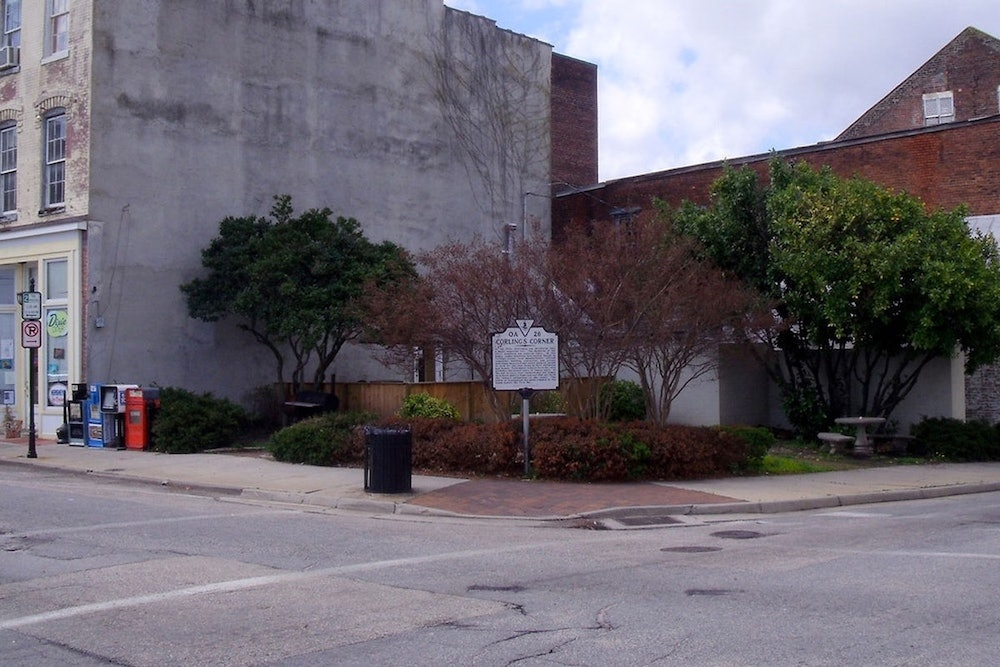 <p><strong>Corling's Corner Historical Marker</strong></p>