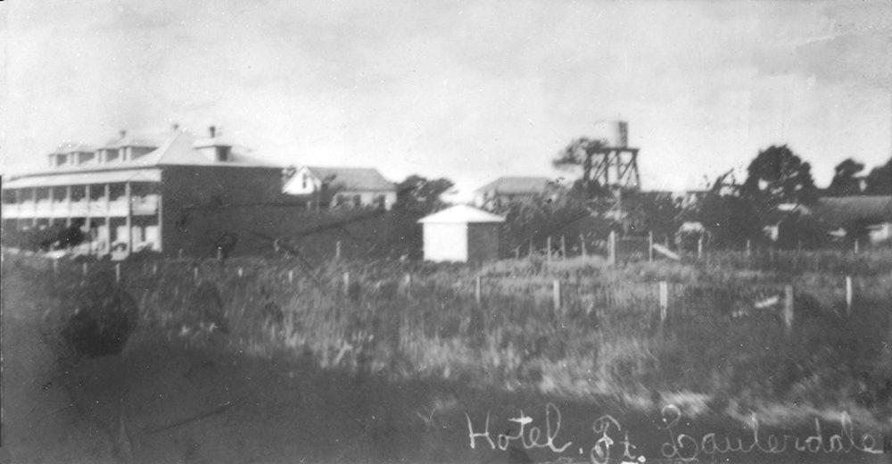 <p>New River Hotel (New River Inn), 1910.</p>