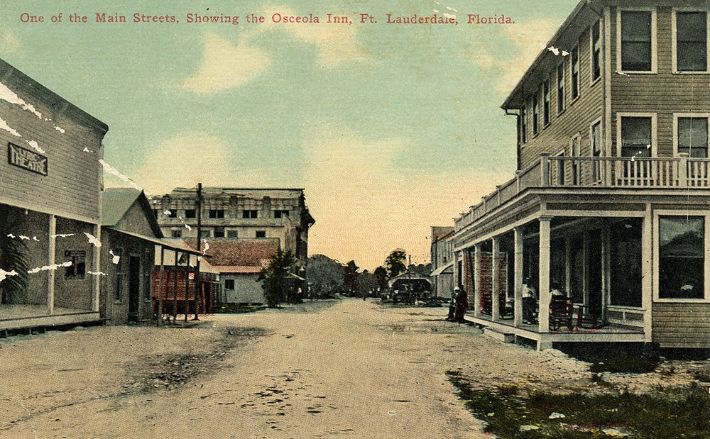 <p>Postcard of historic downtown Brickell Avenue, Fort Lauderdale, 1911, showing the Osceola Inn.</p>