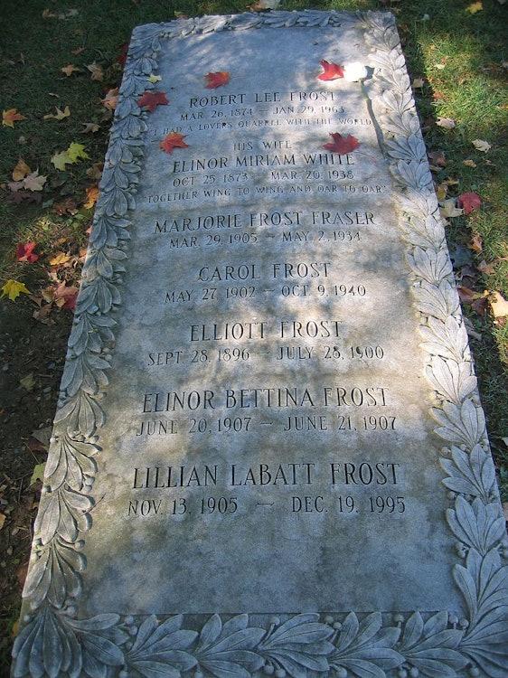 <p>Robert Frost's grave: Bennington, VT. Photo by Richard Avery- public domain</p>