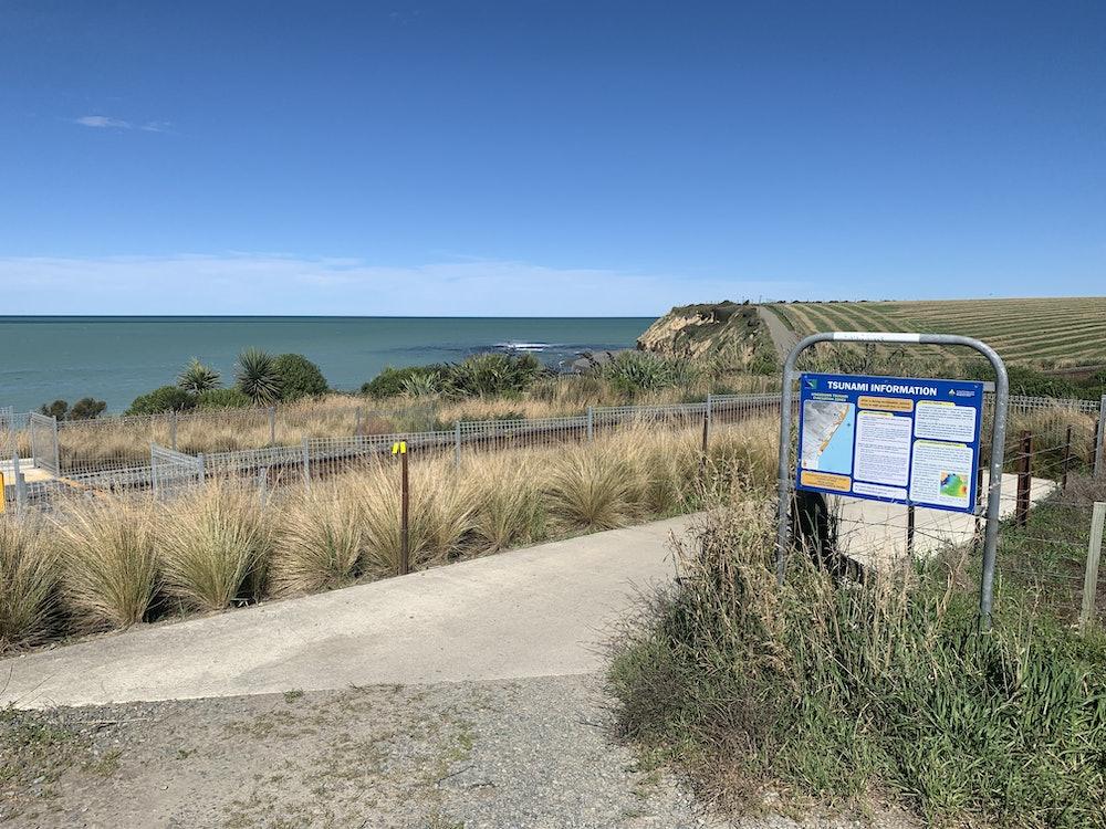 <p>Entrance to Tuhawaiki (Jack's) Point walkway.  Te Motumotu point in distance.</p>