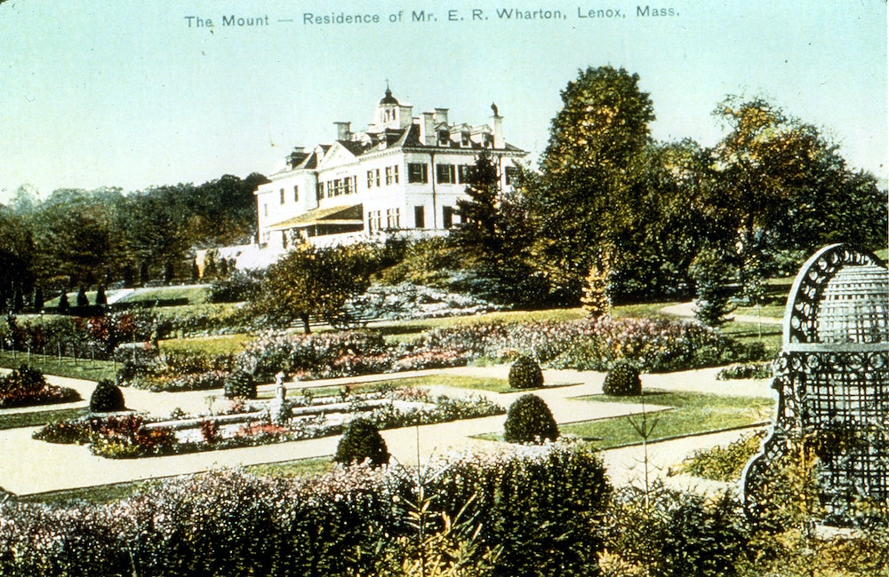 <p>Early postcard of The Mount</p>
