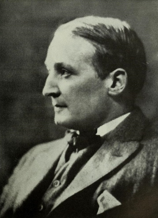 <p>1922 portrait of Robert J. Flaherty (wikipedia photo)</p>